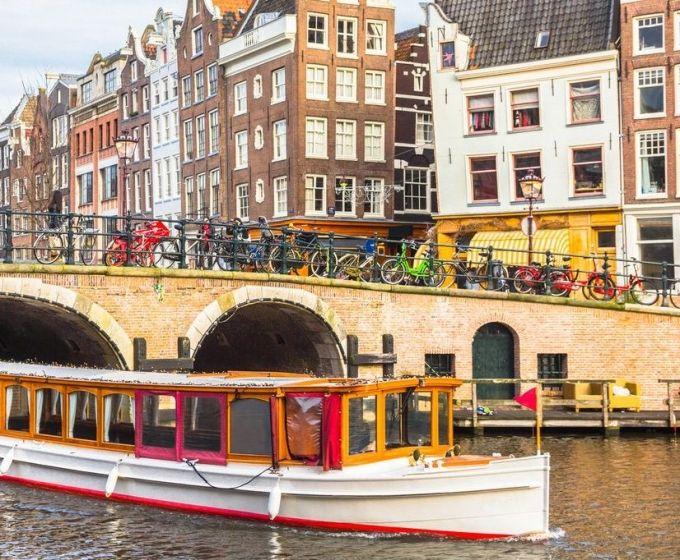 Kies uit 39 vaararrangementen in Amsterdam